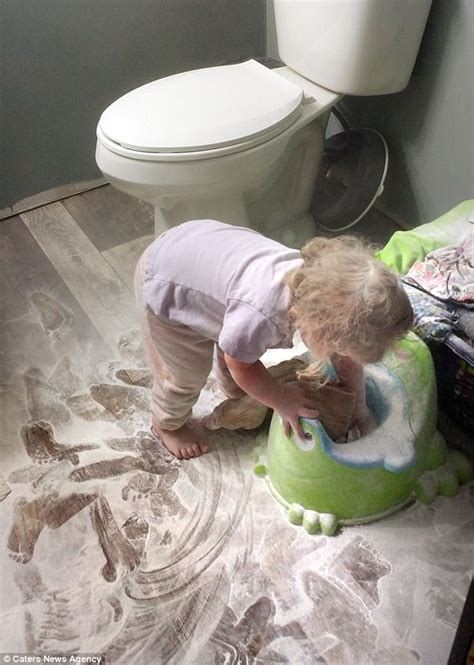 Moment Iowa mother finds her daughter covered in talc