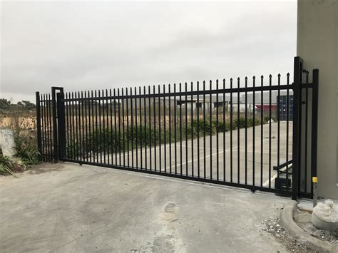 Industrial Factory Fencing / Warehouse Fencing and