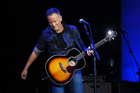 How to watch Bruce Springsteen livestream-jam tonight with