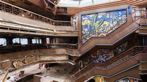 Inside the abandoned Costa Concordia cruise liner - Cruise