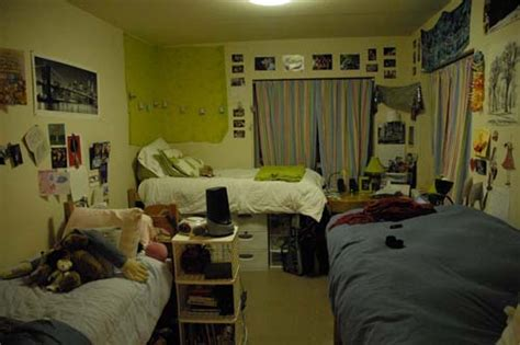 Students adjust to tight dorm rooms — The Bowdoin Orient