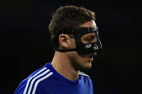 Why some of Chelsea players wear mask on face? Especially