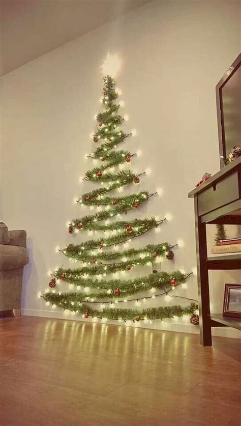 35 Tinsel Wall Christmas Tree Ideas for Your Home Decor